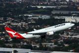QANTAS AIRBUS A330 200 SYD RF 5K5A0165.jpg