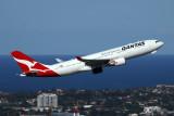 QANTAS AIRBUS A330 200 SYD RF 5K5A0169.jpg