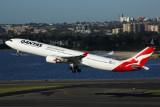 QANTAS AIRBUS A330 300 SYD RF 5K5A9923.jpg
