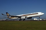 SINGAPORE AIRLINES AIRBUS A330 300 BNE RF IMG_9879.jpg