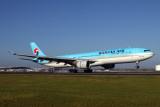 KOREAN AIR AIRBUS A330 300 BNE RF IMG_9834.jpg