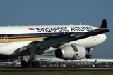 SINGAPORE AIRLINES AIRBUS A330 300 BNE RF IMG_9881.jpg
