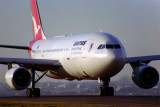 QANTAS AIRBUS A300 SYD RF 938 3.jpg
