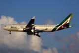 ALITALIA AIRBUS A330 200 FCO RF 5K5A8138.jpg
