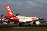 TAM AIRBUS A319 SDU RF IMG_0685.jpg