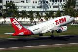TAM AIRBUS A319 SDU RF 5K5A9055.jpg
