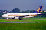 SINGAPORE AIRLINES AIRBUS A310 300 SIN RF 1030 7.jpg