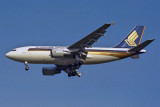 SINGAPORE AIRLINES AIRBUS A310 300 SIN RF 1031 27.jpg