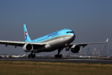KOREAN AIR AIRBUS A330 300 BNE RF 5K5A2773.jpg