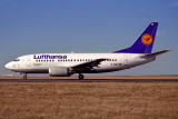 LUFTHANSA BOEING 737 500 CDG RF 1159 21.jpg