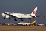 JAPAN AIRLINES BOEING 777 300ER NRT RF 5K5A5303.jpg