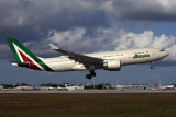 ALITALIA AIRBUS A330 200 MIA RF 5K5A6373.jpg