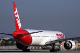 TAM BOEING 777 300ER MIA RF 5K5A6924.jpg