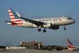 AMERICAN AIRBUS A319 MIA RF R5K5A6226.jpg