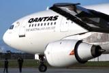 QANTAS  AIRBUS A300 MEL RF.jpg