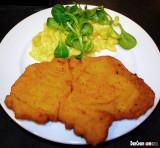 Schweinsschnitzel gebacken (Baked Pork Cutlet)