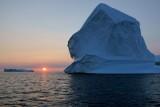 DSC01930 - Iceberg at Sunset