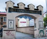 Tiroler Glasmalerei Und Mosaik Anstalt