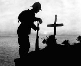 1915 - Paying respects
