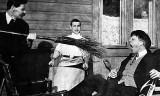 1905 - Writer Maxim Gorky prodding singer Feodor Chaliapin