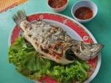 Steamed sea bass with Thai sauces