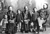 c. 1900 - Wealthy Chinese family of Bangkok