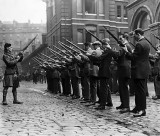 1914 - Scottish Regiment rifle drill
