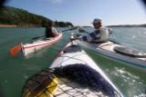 Sur le golfe du Morbihan en Canuk, le petit kayak de mer du chantier Plasmor de Vannes