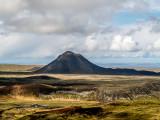 Keilir og Reykjanesbær í baksýn