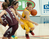 Queen's vs Ottawa W-Basketball 02-07-14