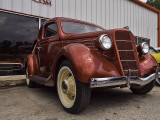 1935 Ford, View 2