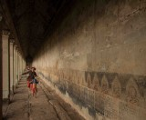 07_Running_Through_Angkor.jpg