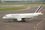 Air France A-319 taxi towards the runway in AMS