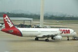 TAM A-321 being pushed back at GIG