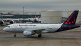Brussels Airlines A-319 at LHR