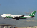 B747-200C  AP-BCM