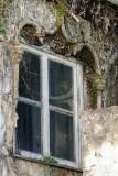 Casa com janela manuelina no Largo José Marques da Cruz