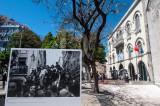 O 25 de Abril e o Quartel do Carmo (Foto Exposta: Mário Varela Gomes)