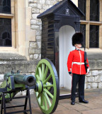 QUEEN'S GUARD NEAR THE CROWN JEWELS SITE