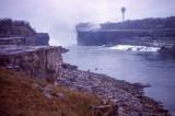 Niagara_Falls_dry_02.jpg