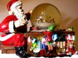 12-22-2015 Santa Christmas Snow Globe Music Box 2