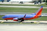 Boeing 737-700 (N7714B)
