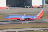 Boeing 737-800 (N8306H)