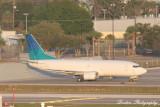 Boeing 737-300 (N460KA)