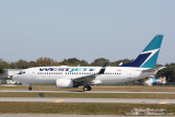 Boeing 737-700 (C-FWSF)