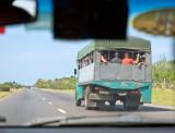 P3280131-Cheap-Bus.jpg