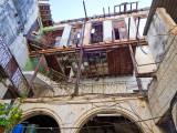 P3311744-Behind-the-facade.jpg