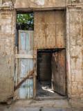 P3191725-Behind-the-door.jpg