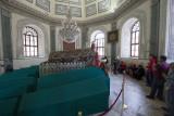 Bursa Osman Gazi tomb May 2014 6902.jpg