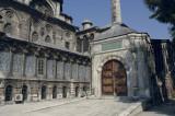 Istanbul Laleli Mosque June 2004 1146.jpg